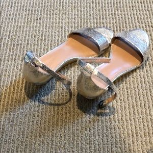 Gold small wedge strap sandal